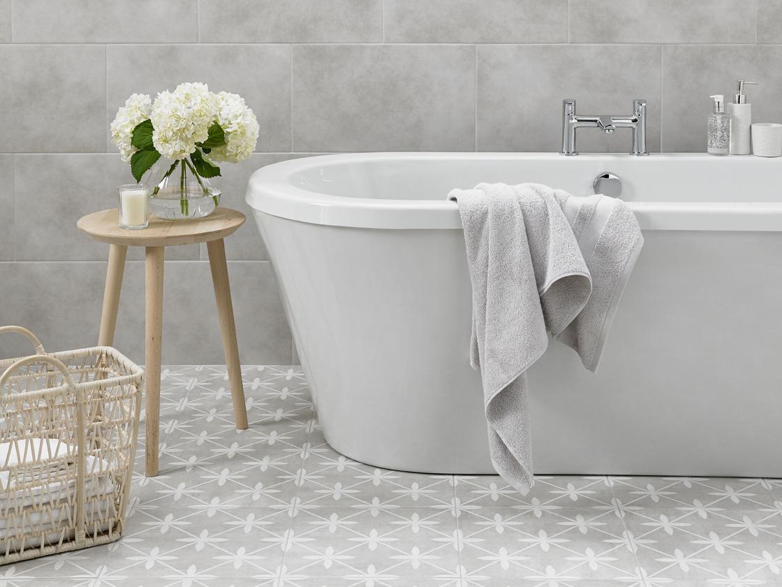 A laura ashley tiled bathroom british ceramic tile a laura ashley tiled bathroom dailygadgetfo Gallery