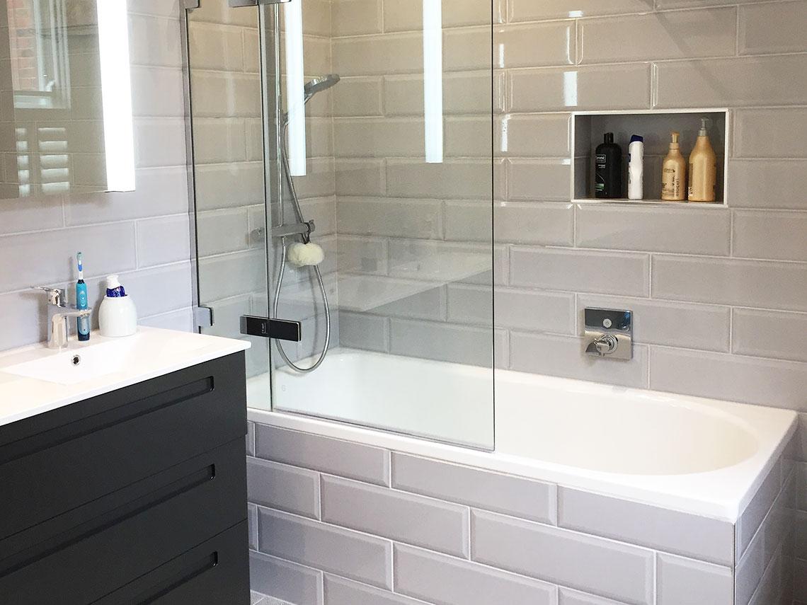 Lauren va bathroom makeover british ceramic tile lauren va bathroom dailygadgetfo Choice Image